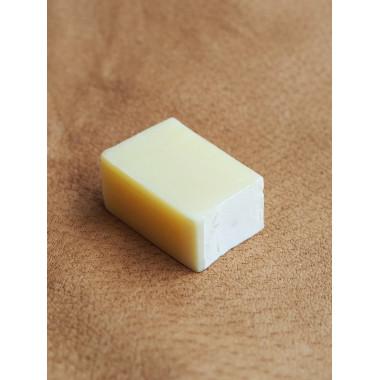 Hoitava ja hellävarainen saippua nahkakäsineille